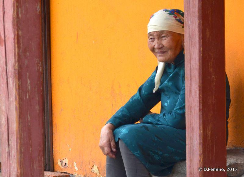 A wise lady (Ulaanbaatar, Mongolia, 2017)