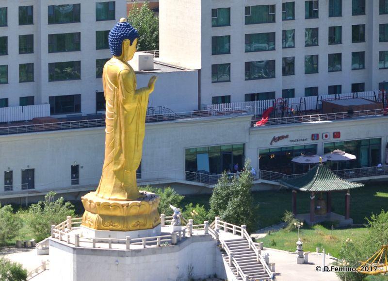 Big golden Buddha statue (Ulaanbaatar, Mongolia, 2017)
