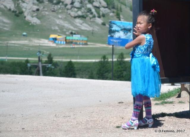 Trendy little girl at the bus stop (Terelj Park, Mongolia, 2017)