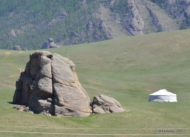 Rock and field (Terelj Park, Mongolia, 2017)