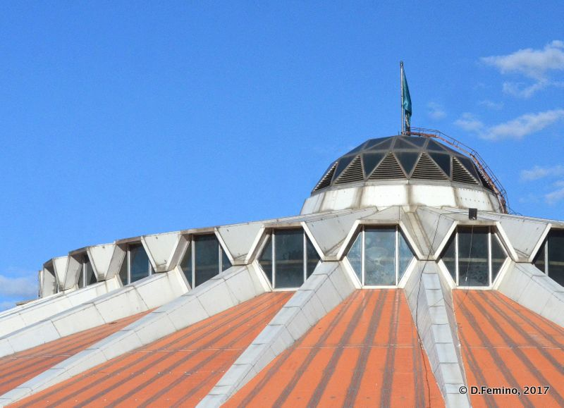 Catch palace roof (Ulaanbaatar, Mongolia, 2017)