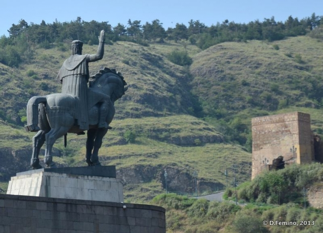 King Vakhtang I Gorgasali Statue (Tbilisi, Georgia, 2013)