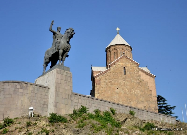 Virgin church and King Vakhtang statue (Tbilisi, Georgia, 2013)