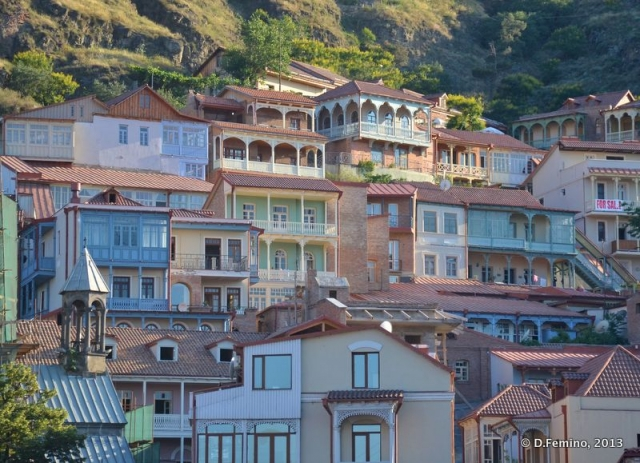 Nice houses on the hill (Tbilisi, Georgia, 2013)