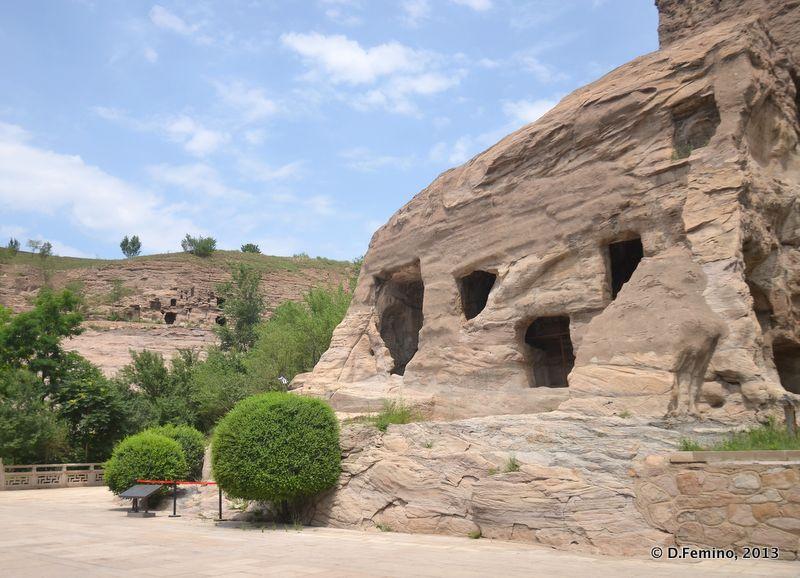 Old caves (Yungang Grottoes, China, 2017)