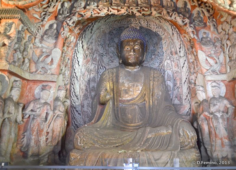 A sophisticated Buddha statue (Yungang Grottoes, China, 2017)