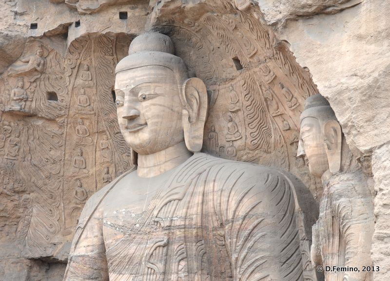 Biggest statue of the site (Yungang Grottoes, China, 2017)