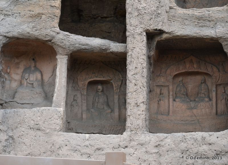 Old niches (Yungang Grottoes, China, 2017)