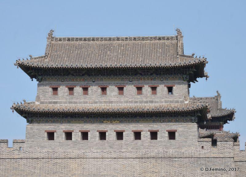 New walls of old town (Datong, China, 2017)