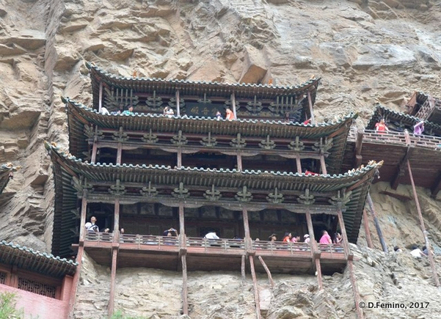 Hanging temple from below (Hunyuan County, China, 2017)