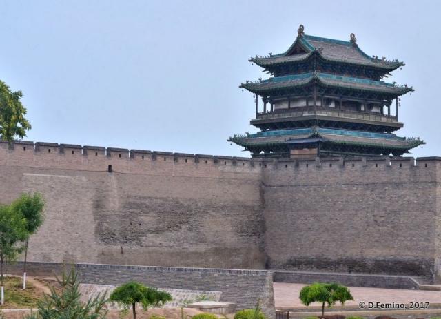 City walls with a watchtower (Pingyao, China, 2017)