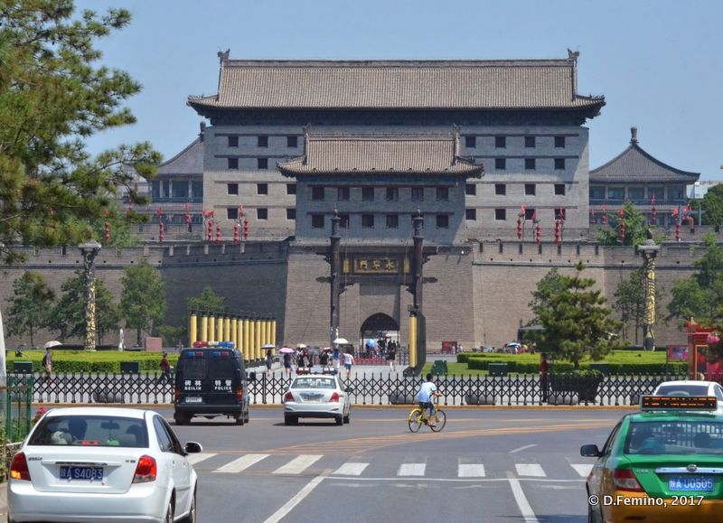 North gate (Xi'an, China, 2017)
