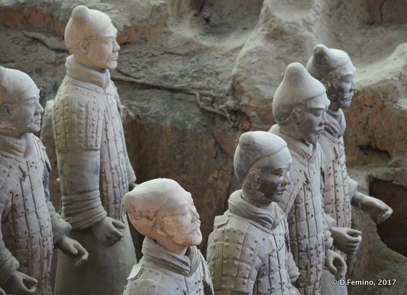Six terracotta warriors (Xian, China, 2017)