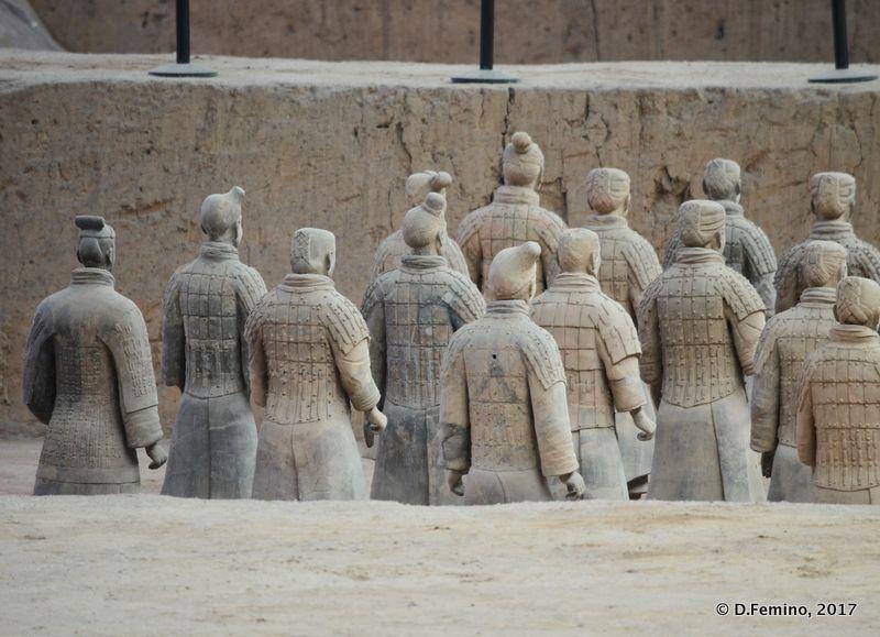 Back of terracotta army (Xian, China, 2017)