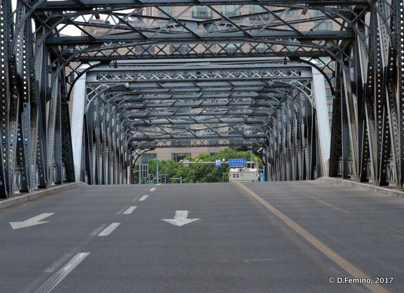 Bridge to the Bund (Shanghai, China 2017)