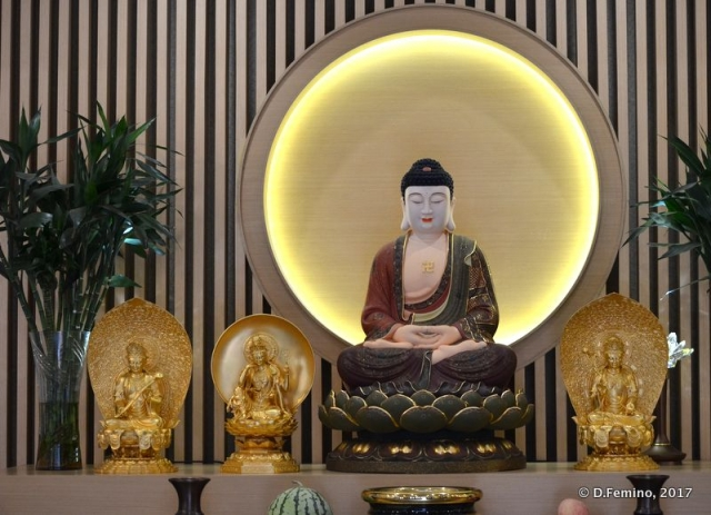 Stylish Buddha (Shanghai, China 2017)