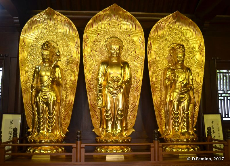 Golden deities (Shanghai, China 2017)
