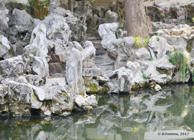 Garden rocks (Suzhou, China, 2017)