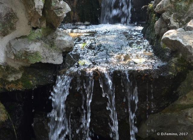 Little waterfall (Suzhou, China, 2017)