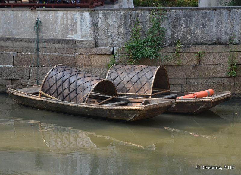 Chinese rowboats (Suzhou, China, 2017)