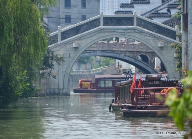Boats and bridges (Suzhou, China, 2017)