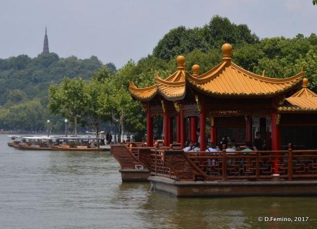 Pavilions on the lake (Hangzhou, China, 2017)