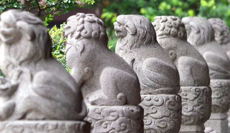 Series of lions in Guangxiao temple