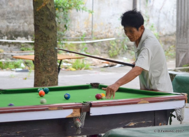 Playing pool (Zhuhai, China, 2017)