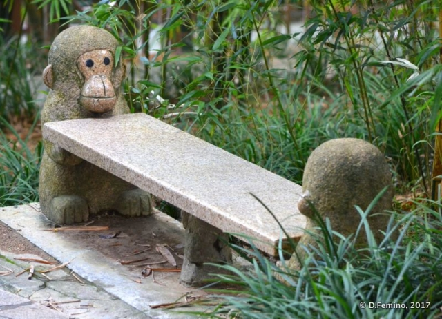 Monkey bench (Hong Kong, 2017)