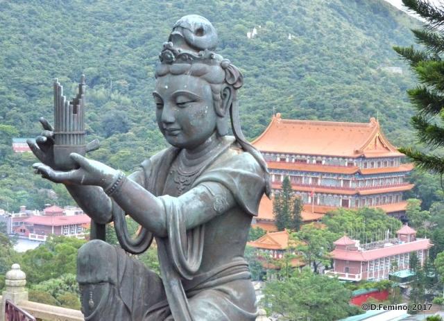 Deity statue (Ngong Ping, Hong Kong, 2017)