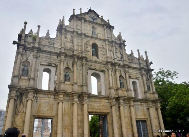 Clouds over St.Paul ruins (Macau, 2017)