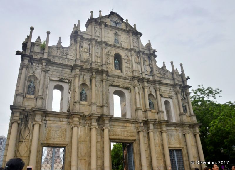 Clouds over St.Paul ruins (Macau, 2017)