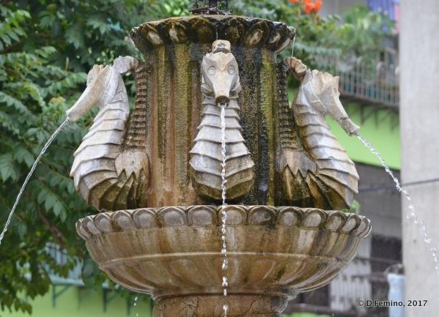 Seahorse fountain (Macau, 2017)