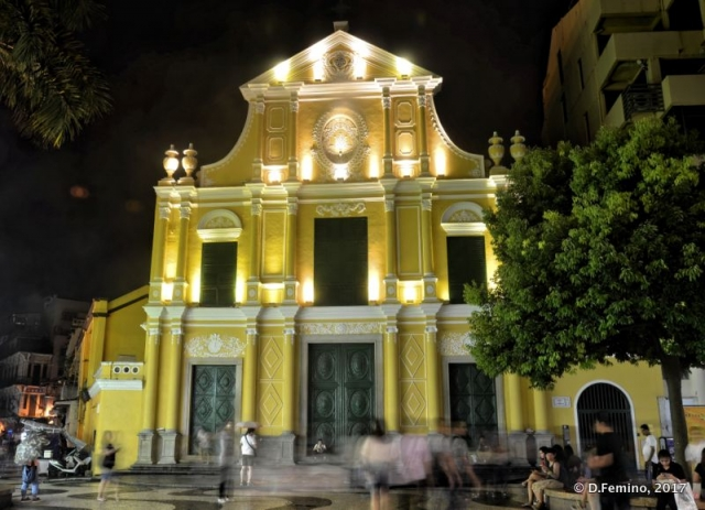 St.Dominic church at night (Macau, 2017)