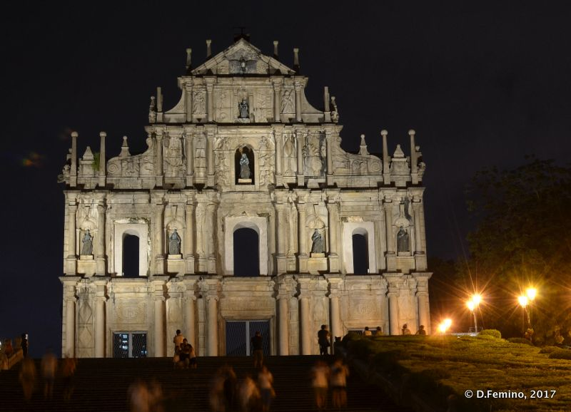 St.Paul ruins at night (Macau, 2017)