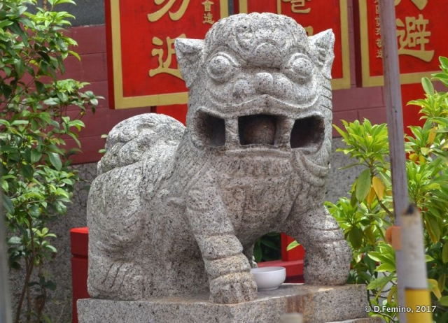 Dragon by a temple (Coloane, Macau, 2017)