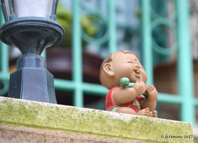 Baby statue (Coloane, Macau, 2017)