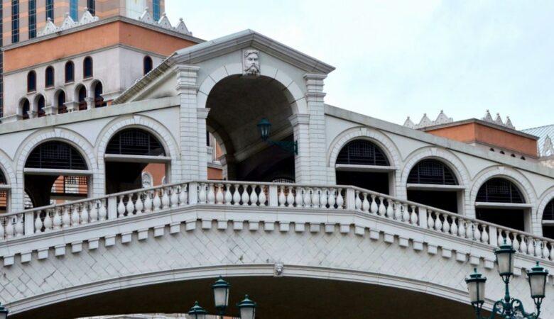 Rialto bridge copy in Cotai