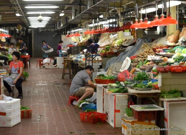 Covered market at night (Macau, 2017)