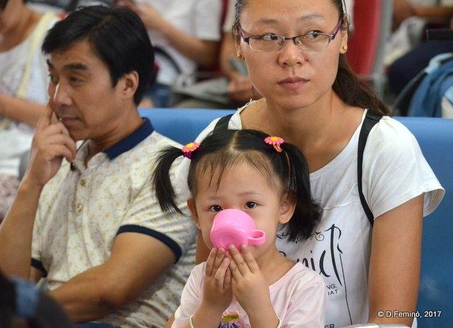 Beautiful little princess (Pingyao station, China, 2017),
