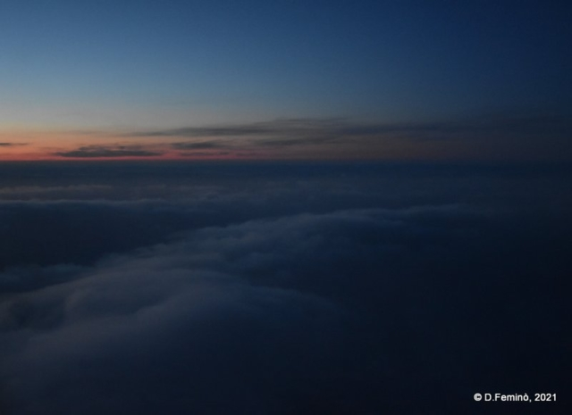 Sunrise from the plane (2021)