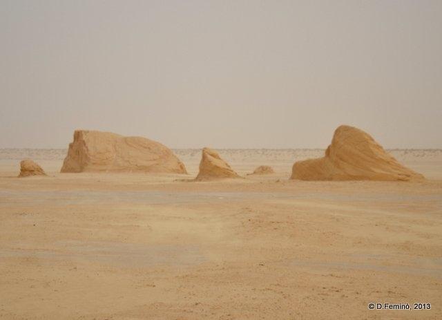 Desert near Nefta (Tunisia, 2013)