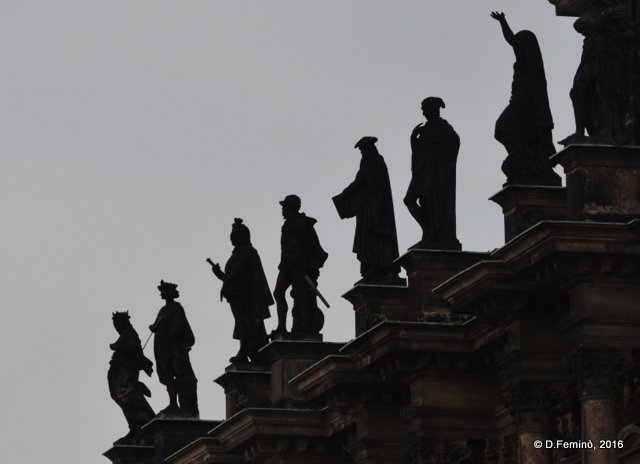 Statues' silhouette (Dresden, Germany, 2016)