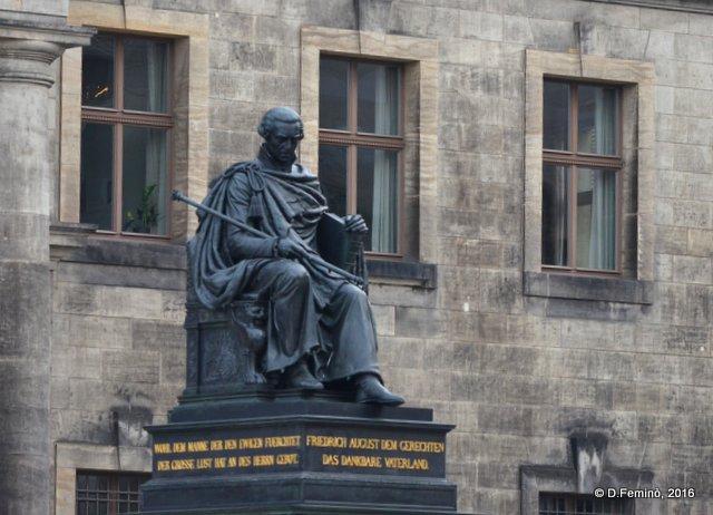 Statue (Dresden, Germany, 2016)