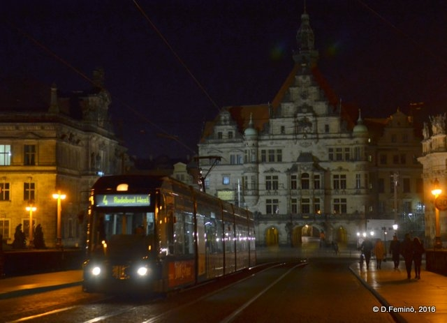 Night tram (Dresden, Germany, 2016)