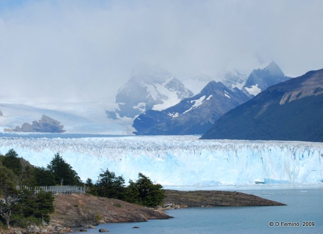 Fog over the mountains (Perito Moreno, Argentina, 2009)