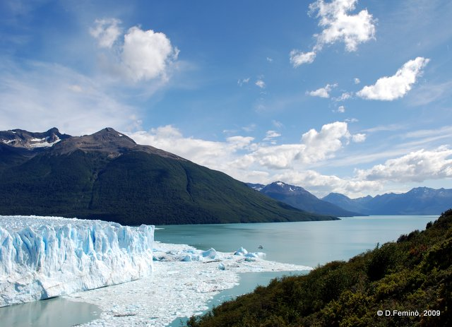 View of lake Argentino (Perito Moreno, Argentina, 2009)