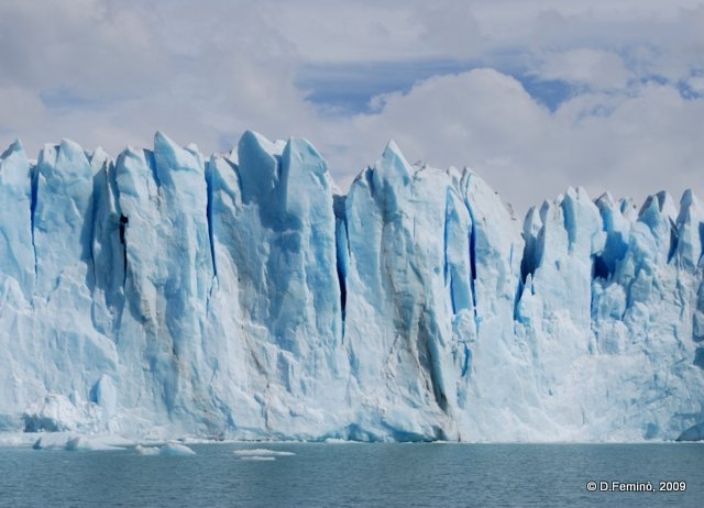A wall of ice (Perito Moreno, Argentina, 2009)