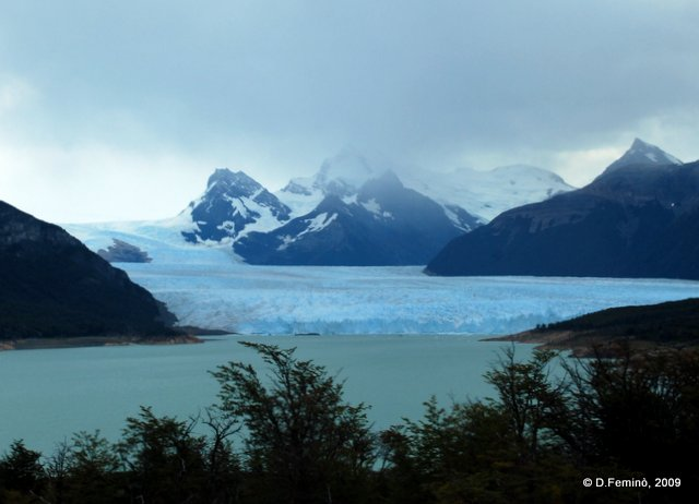 Dark clouds over the glacier (Perito Moreno, Argentina, 2009)