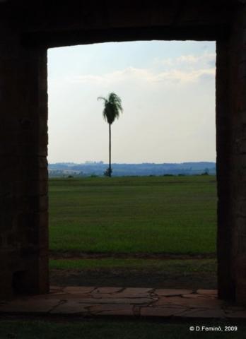 Glimpse (Jesús de Tavarangue, Paraguay, 2009)